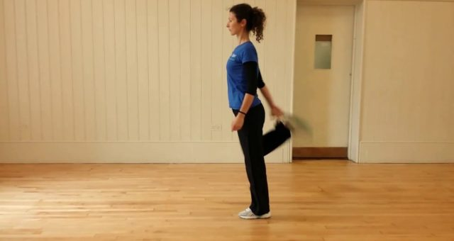 Dinamic warm up for Quads and Hamstring in motion