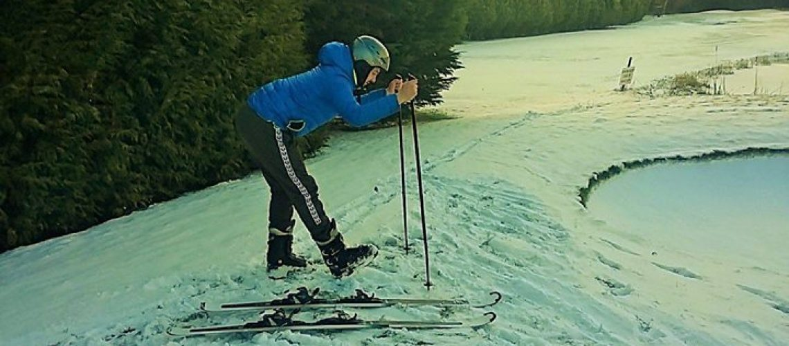 1519934899_83_stretches-before-apers-skiing-going-away-to-hit-the-slopes-ensure-you-have-s.jpg