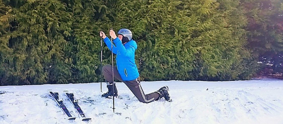 stretches-before-apres-ski-going-away-to-hit-the-slopes-ensure-you-have-suff.jpg